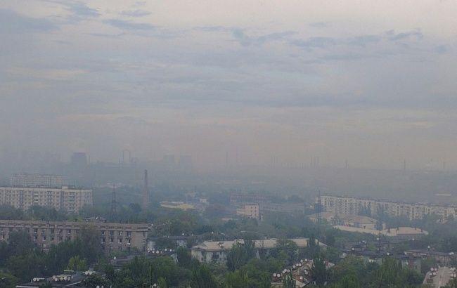 Запорожье покрыто густым смогом, жгучим запахом