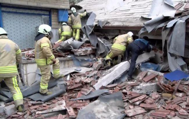 З'явилося відео обвалення восьмиповерхової будівлі в Стамбулі