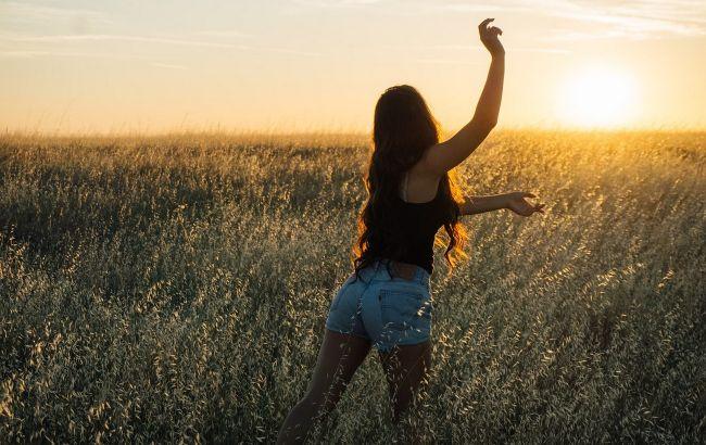 Вторая неделя лета принесет бурю: женский гороскоп с 7 по 13 июня