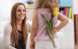 День матері в Україні: коли відзначимо, і чому цього року свято унікальне