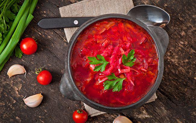Клопотенко поділився рецептом справжнього українського борщу: покрокове приготування