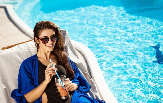 Врачи выяснили, какие алкогольные напитки можно пить в жару