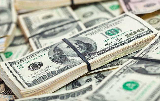 Курс доллара упал до минимума за 9,5 месяцев
