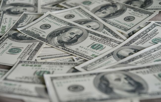 Межбанк закрылся снижением курса доллара
