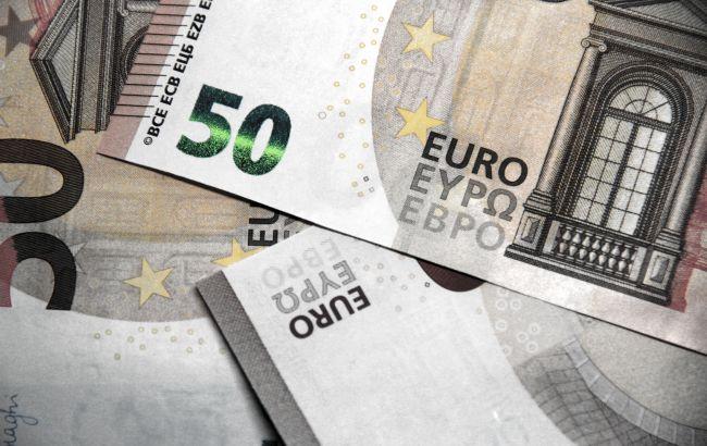 Курс евро растет второй день подряд