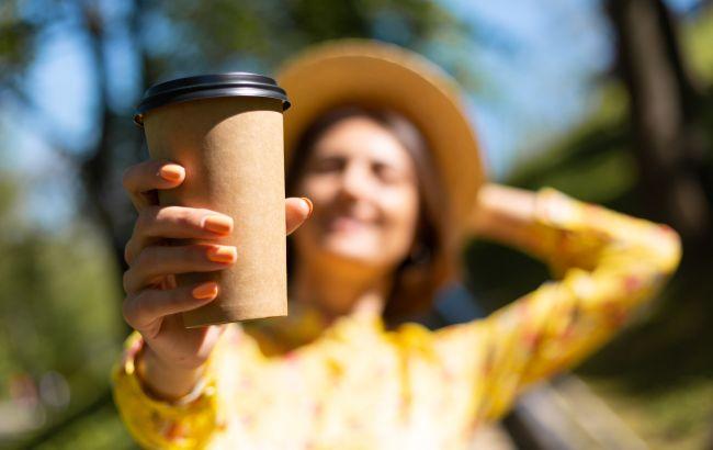 Кофе из кофейни может быть опасен летом: как понять, что с напитком что-то не так