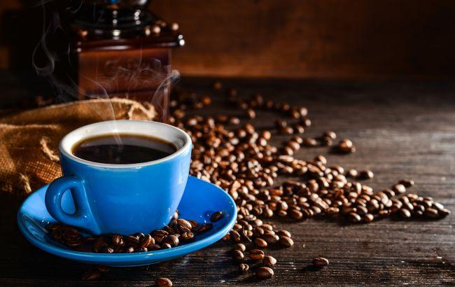 Чи правда, що кава вимиває кальцій з організму: лікар дала точну відповідь