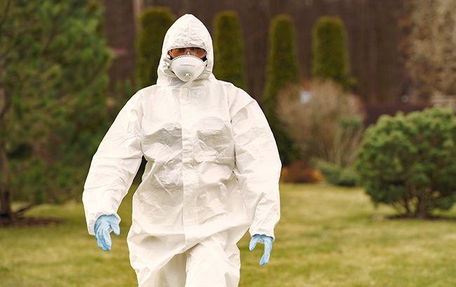Минздрав громко оскандалился с защитными костюмами от COVID-19 для врачей