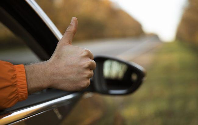 Водителям рассказали, как правильно ездить осенью: эти советы помогут избежать ДТП