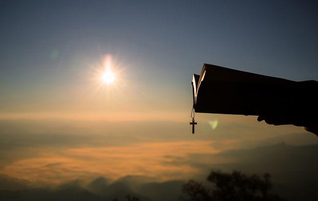 Какие молитвы прочитать на Вознесение, чтобы в семье были счастье и достаток