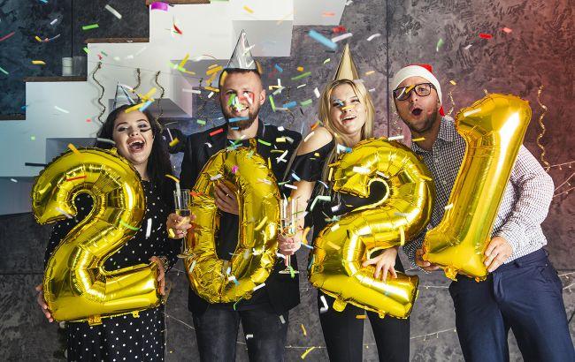Новый год 2021: душевные поздравления и милые открытки для всех