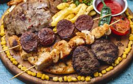 Шашлык из этого мяса назван самым вредным: ограничьте его употребление