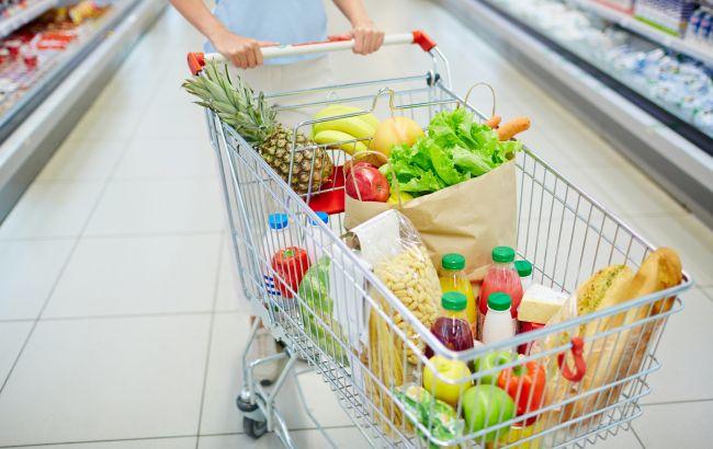 Лікарі з'ясували, якими продуктами найпростіше отруїтися в спеку