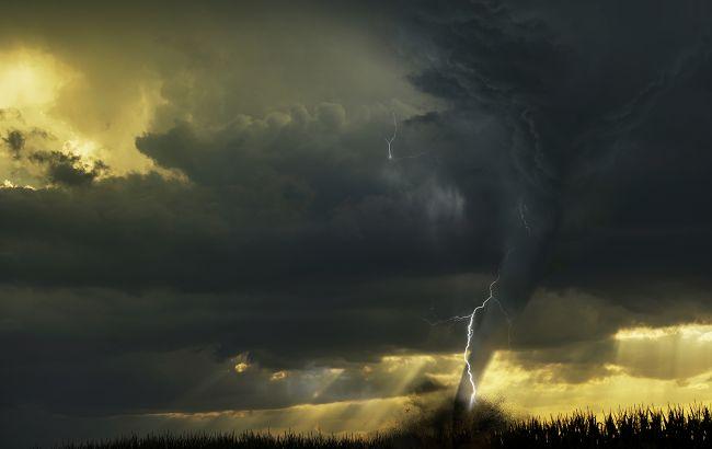 У Криму пронісся потужний торнадо: вражаюче відео стихії