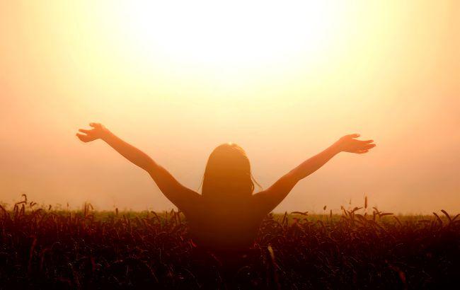 Гороскоп на листопад від Павла Глоби: хто зможе круто повернути своє життя