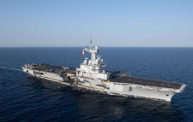 """Во Франции проведут расследование из-за вспышки COVID-19 на борту авианосца """"Шарль де Голль"""""""
