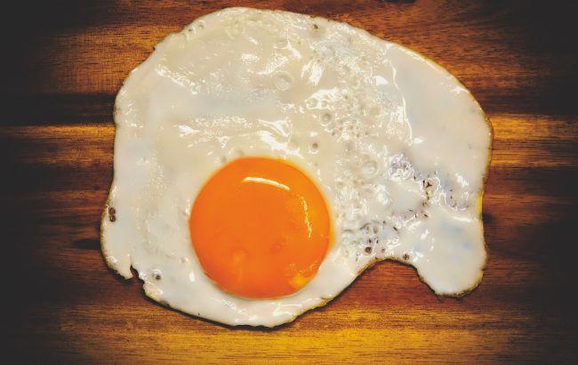 Звичайна яєчня може бути смертельно небезпечна: кому не можна її їсти