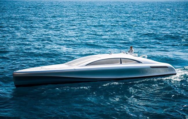 Фото: яхта от немецкого автопроизводителя Mercedes-Benz