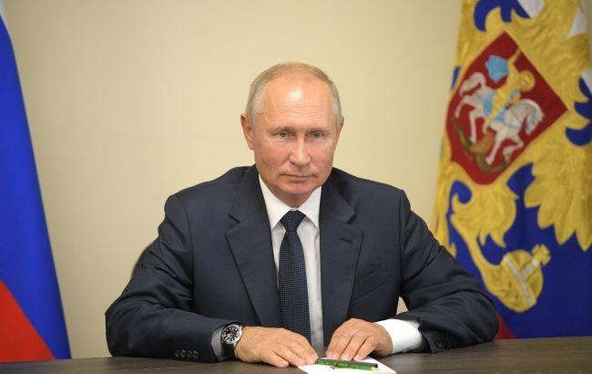 """Путин заявил об озабоченности заявлениями о пересмотре """"Минска"""""""
