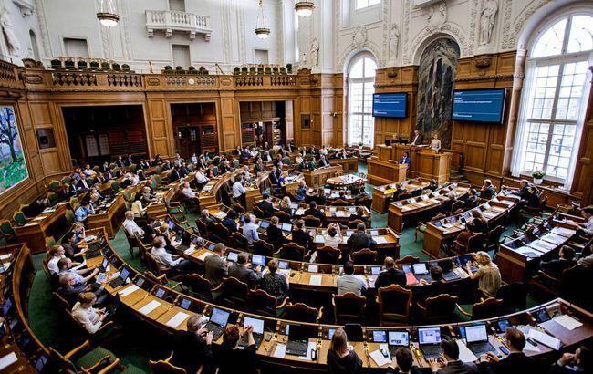 Парламент Данії схвалив нову політику щодо біженців