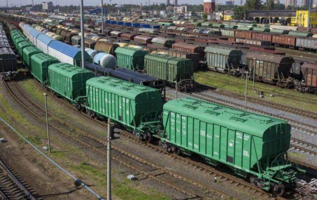 Со складов Госрезерва исчезли почти 2700 вагонов зерна
