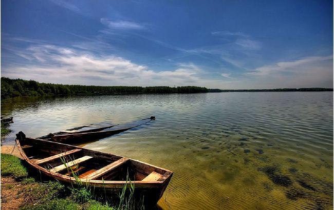 Шацькі озера на День незалежності: де і за яку ціну можна відпочити на Волині