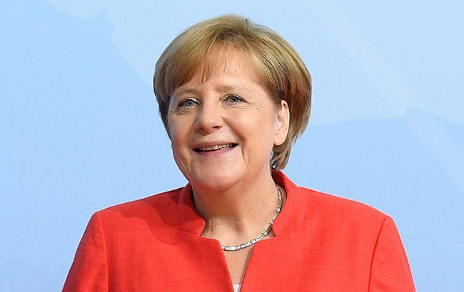Президент Германии отправил руководство воглаве сМеркель вотставку