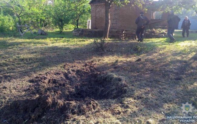 Фото: наслідки обстрілу бойовиків (police.dn.ua)