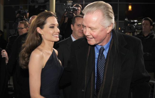 Фото: Анджеліна Джолі і Джон Войт (woman.ru)