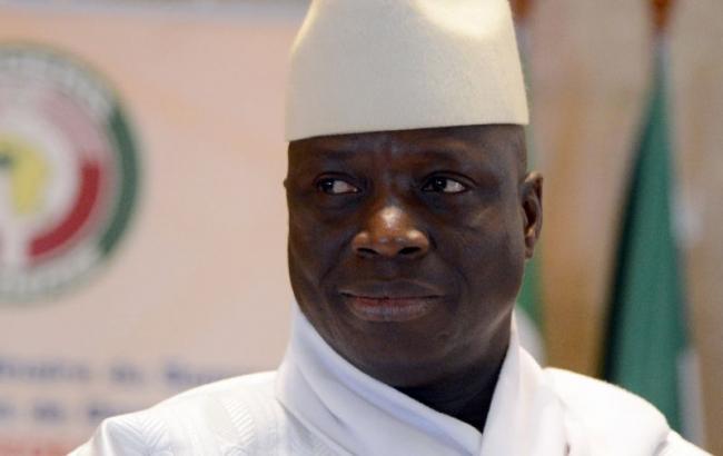 Президент Гамбии попросил отсрочить передачу власти преемнику