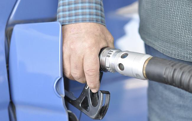 Фото: заправка паливом (Pixabey)