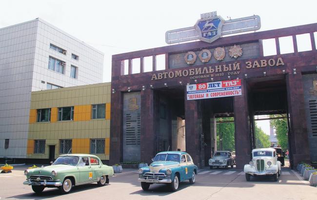 Російська компанія ЯМЗ припинила поставки моторів для української військової техніки