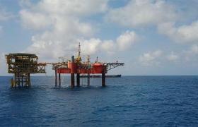 Фото: нефтяная платформа (pxhere.com)
