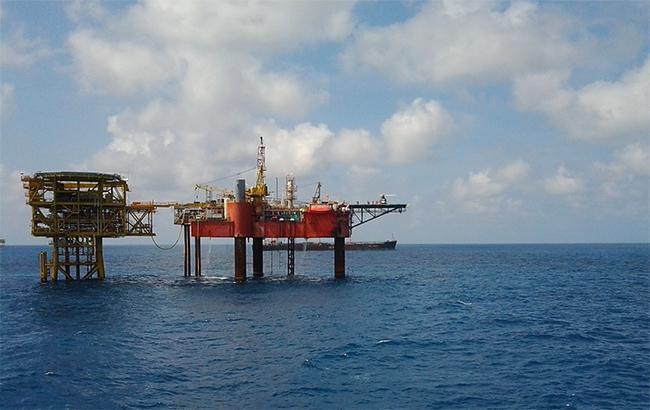 Фото: добыча газа на шельфе (pxhere.com)