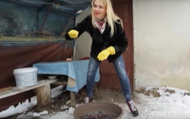 Панянка-селянка/Кадр з відео YouTube-канал ТЕТ