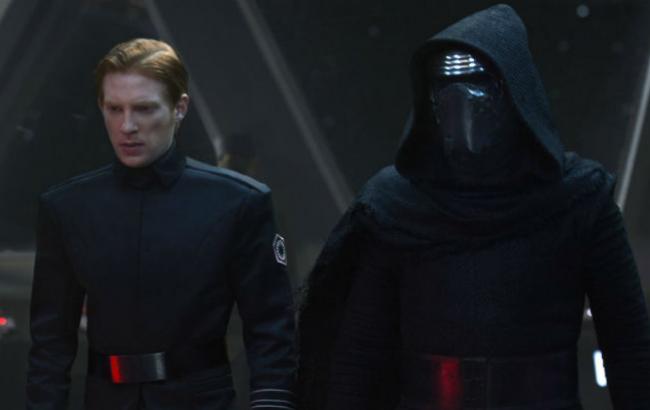 """Фото: кадр из фильма """"Звездные войны: Последние джедаи"""""""