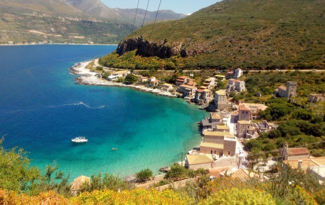 Крепости, бухты и лучшие пляжи: почему стоит побывать на полуострове Пелопоннес в Греции