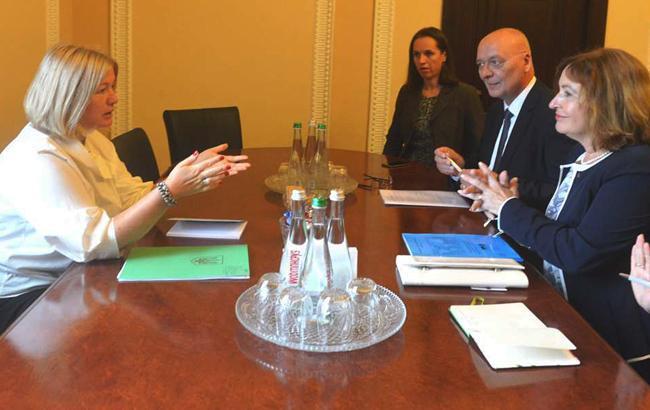Фото: встреча Ирины Геращенко и Милуше Горской (iportal.rada.gov.ua)