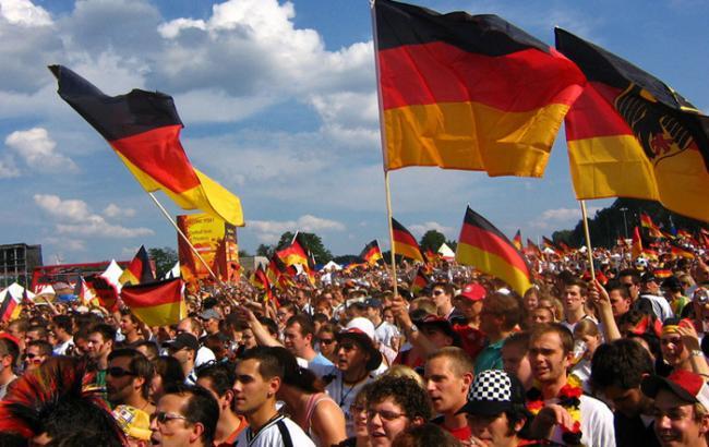 Фото: більшість німців боїться терактів через біженців