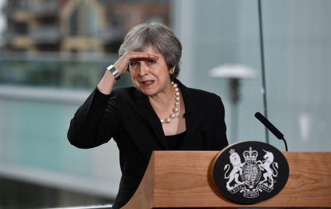 У Британії запустили процедуру вотуму недовіри Мей