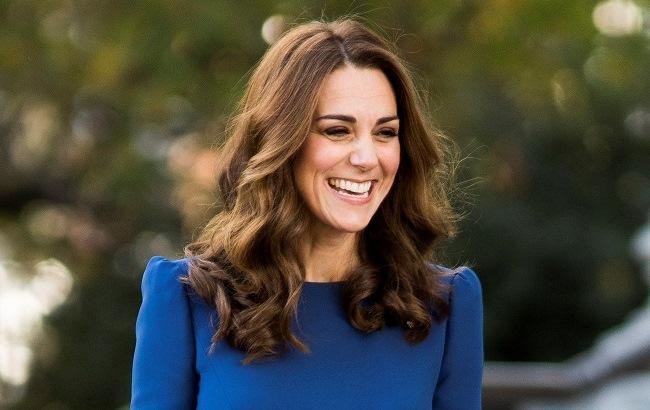 """""""Великолепная леди"""": Кейт Миддлтон поразила стройной фигурой в элегантном темно-синем платье"""