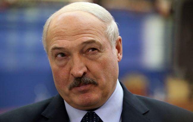 Лукашенко обвинил Украину в отказе принять Ryanair после сообщения о взрывчатке