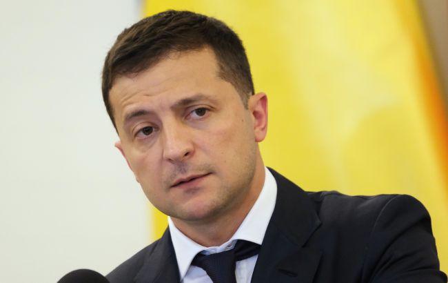 Зеленский ввел в действие санкции против Януковича, Курченко и силовиков-предателей: список