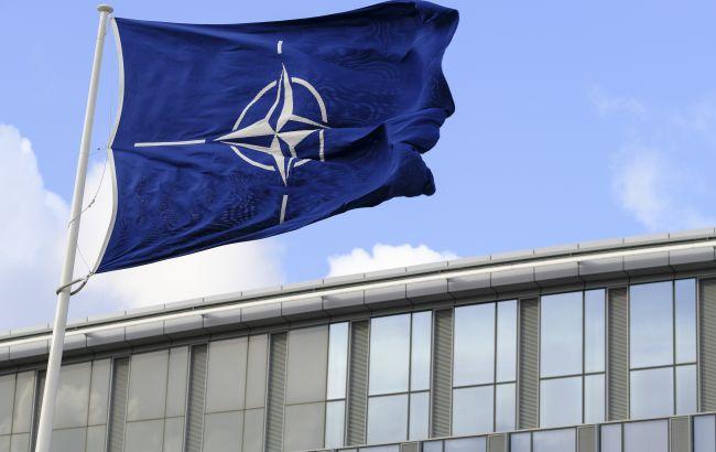 """Кандидати в канцлери Німеччини розкритикували """"легковажні обіцянки"""" про вступ України в НАТО"""