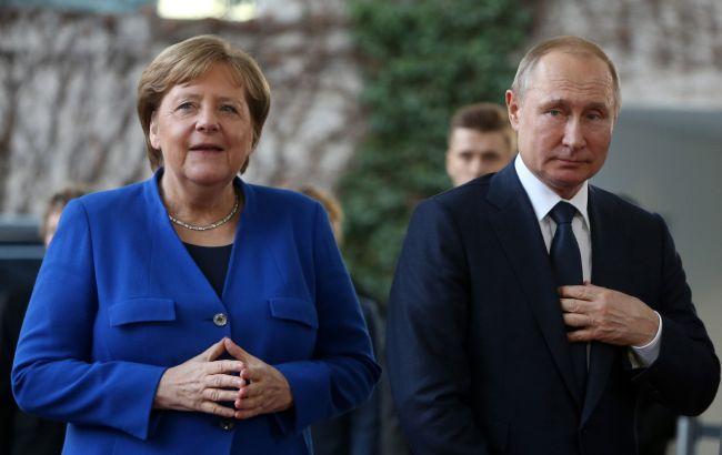 """Меркель обсудила с Путиным транзит газа через Украину и """"Северный поток-2"""""""