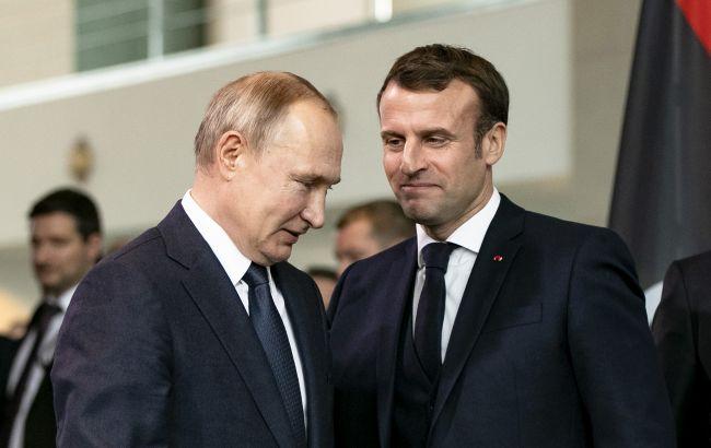 Макрон закликав Путіна зменшити напруженість у відносинах з Україною