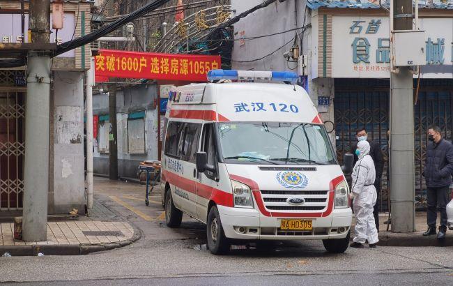 Китай сообщает о новой вспышке COVID-19: в городах открыли пункты тестирования