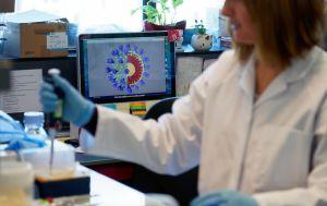 Украинцам предлагают присоединиться к испытаниям лекарств против COVID-19