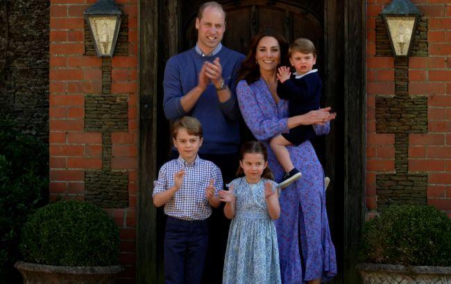 Принц Луи празднует день рождения: его родители показали милое фото