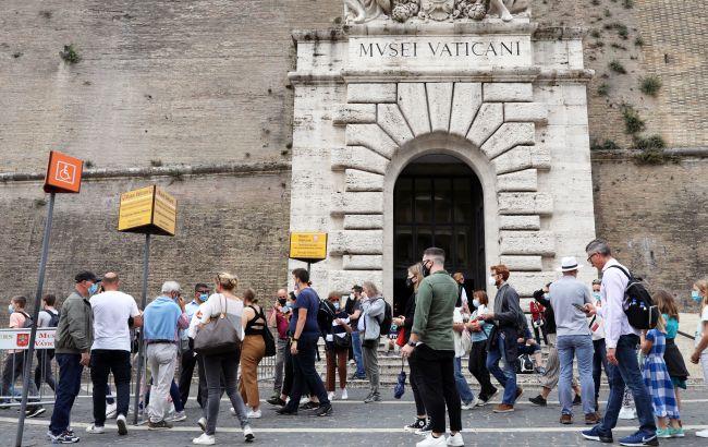 В музеи Ватикана посетителей будут пускать по COVID-сертификатам